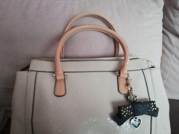 Oryginalna torebka Guess kolor kremowy
