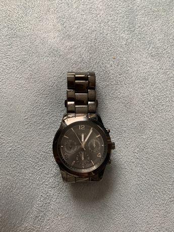 Guess śliczny zegarek