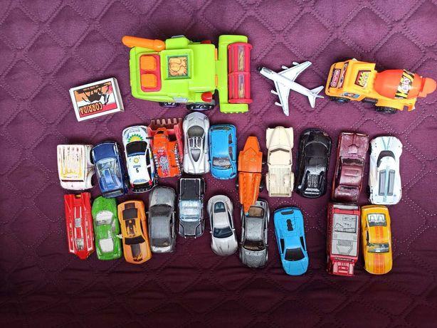 Машинки железные, пластмасовые одним лотом