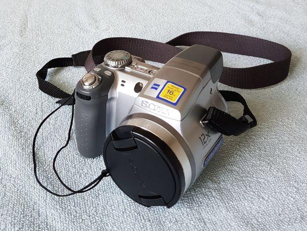 aparat fotograficzny Sony Cybershot DSC - H2 + futerał SONY