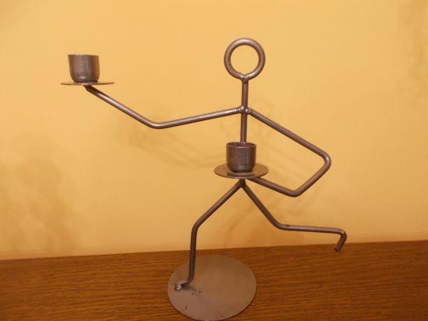 Świecznik metalowy stalowy ludzik metaloplastyka moderny WYSYŁKA