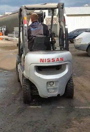 Вилочный погрузчик Nissan