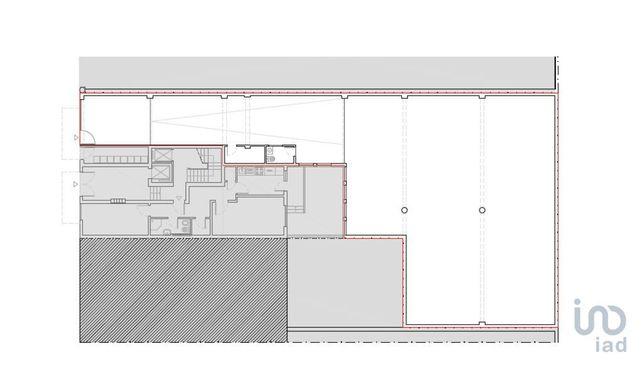 Loja - 311 m²