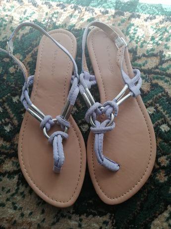 Sandały r. 38