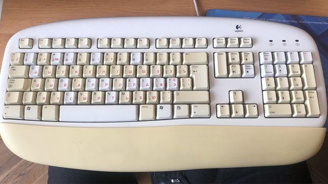 Продається клавіатура Logitech з круглим роз'ємом