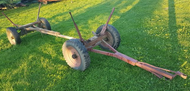 mały wóz na drewno do traktora