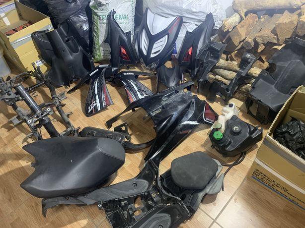 Yamaha Aerox 2015 (quadro c docs, carnagens, etc etc)