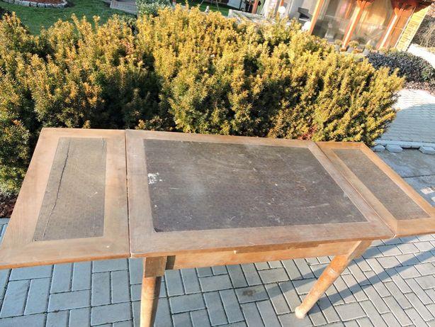 Stół rozkładany w okleinie orzecha do renowacji