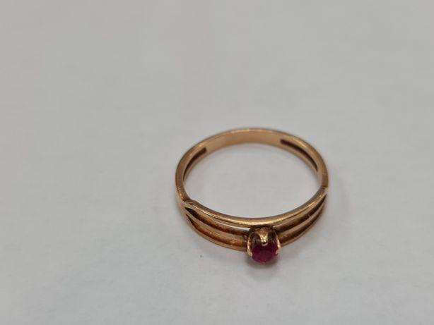 Warmet! Delikatny złoty pierścionek damski/ 585/ 1.71 gram/ R15