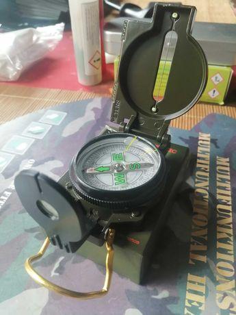 kompas nowy zielony metalowy