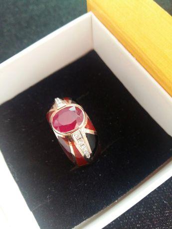 Золотий перстень с рубіном та діамантами, Авторська робота