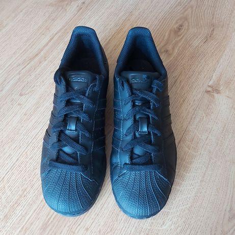 Adidas Superstar pretas novas