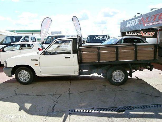 Mazda B2500 Pick-Up
