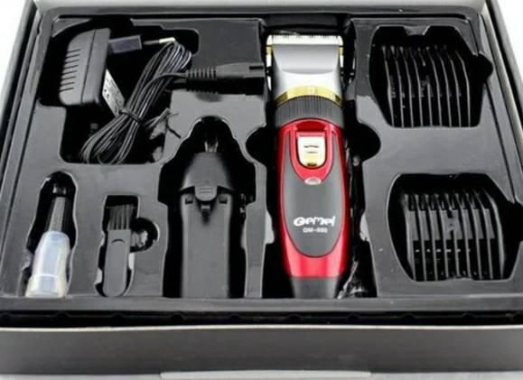 Машинка для стрижки с двумя аккумуляторами