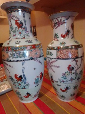 Par de jarrões com galos de Macau