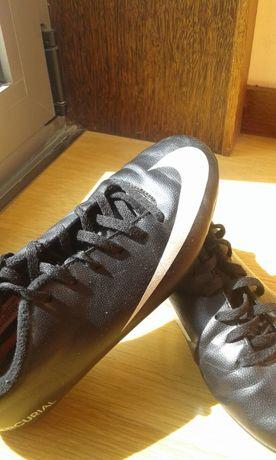 """Sapatilhas/Chuteiras Tam. 35 """"Nike"""", em excelente estado - portes grát"""