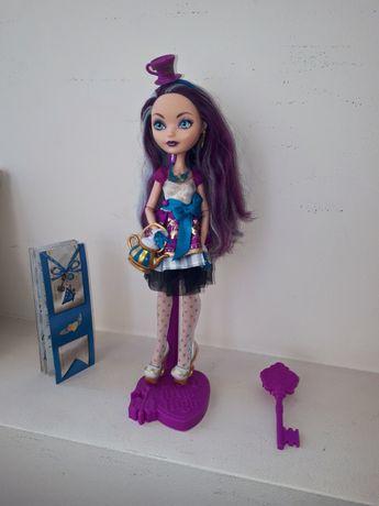 Кукла Мэделин Хэттер Базовая Ever After High Madeline Hatter