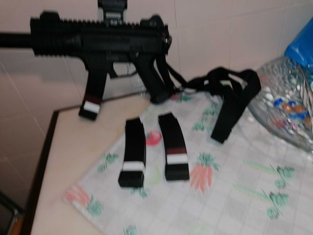 Arma de airsoft bom achado...