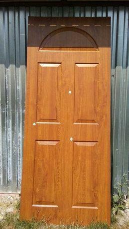 Wypełnienie drzwi złoty dąb