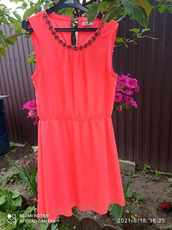 Платье летнее нарядное 44