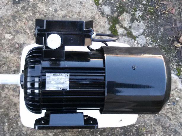 silnik elektryczny jednofazowy 1,5 kw * 2740 obr łapowy