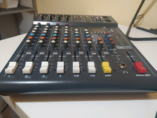 Mesa mistura studiomaster xs-8 COMO NOVA