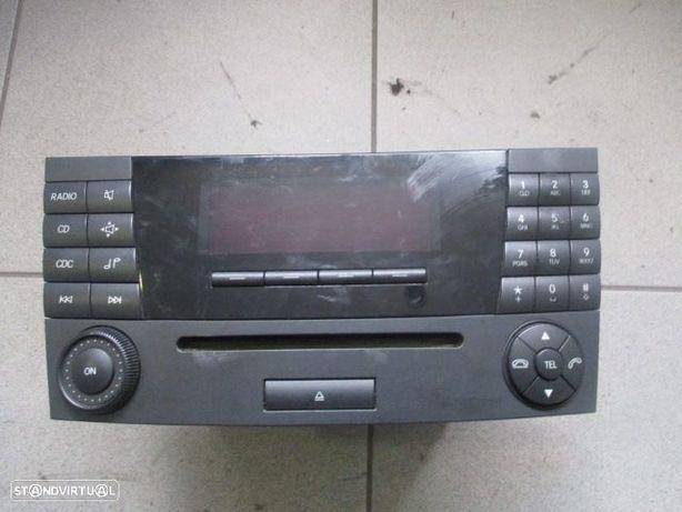 Rádio CD A2118209789 MERCEDES / W211 E220 / 2002 / MF2310 /