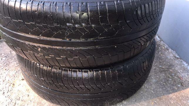 Шины 215/65 R16 Michelin  2 шт