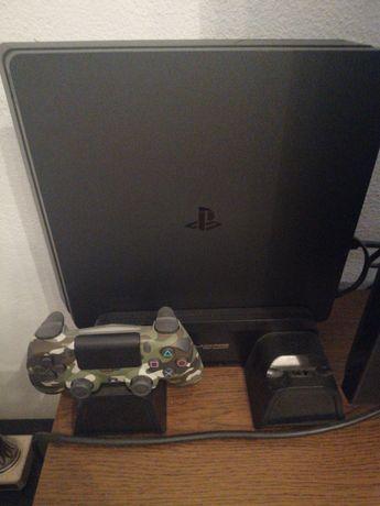 Playstation 4 1T com comando e 2 jogos