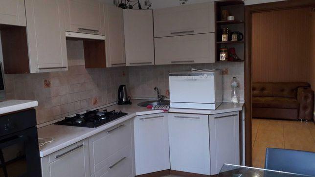 Продам квартиру з якісним ремонтом, новий будинок в центрі м. Бровари!