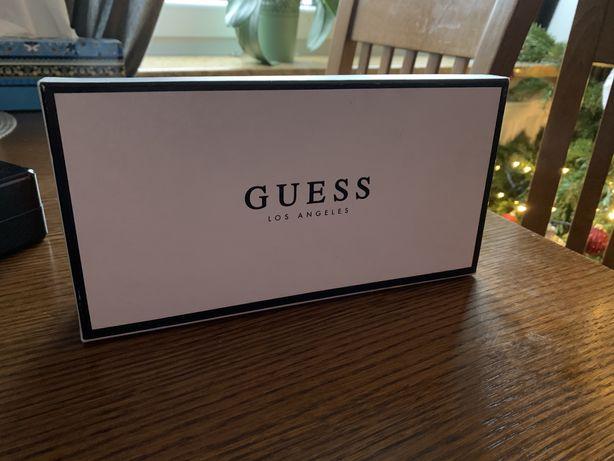 Pudełko Guess