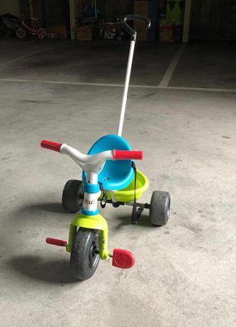 Triciclo com pega e cinto