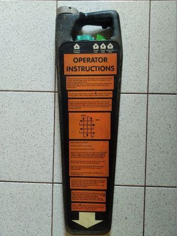 Radiodetektor wykrywacz lokalizator instalacji kabli rur w ziemi skan