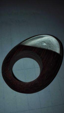 Anéis, 2 anéis Adolfo Dominguez em madeira e resina