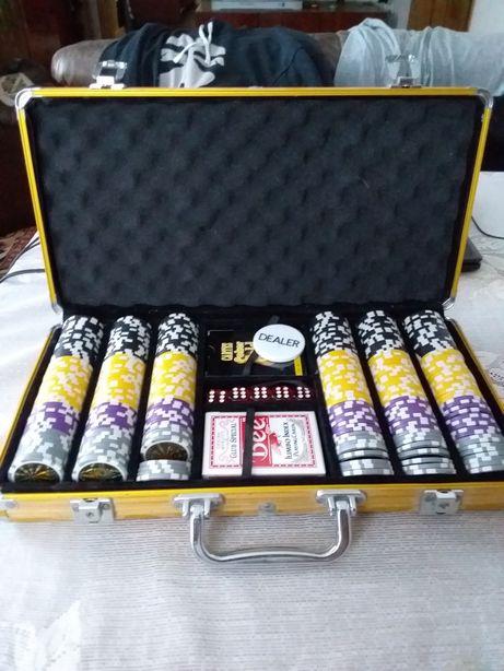 Покерний набір з двома колодами катр