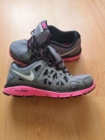 Tenis Nike run 2
