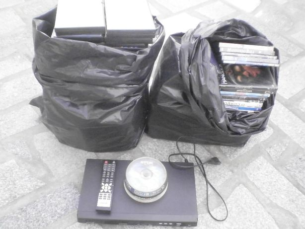 DVD player e filmes com capa