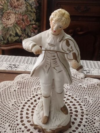 Figurka porcelanowa (K.401)