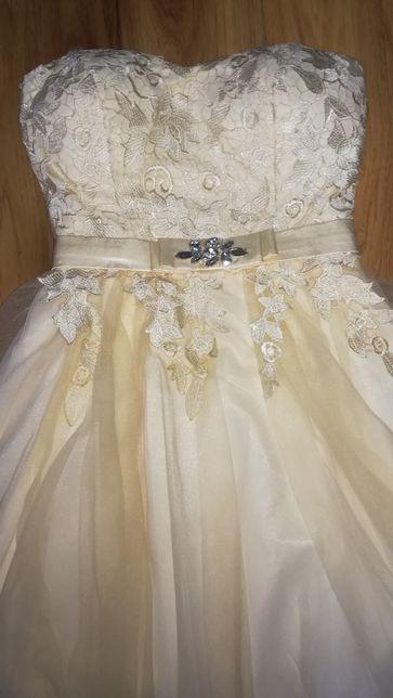 Sukienka tiulową  tiul S/M