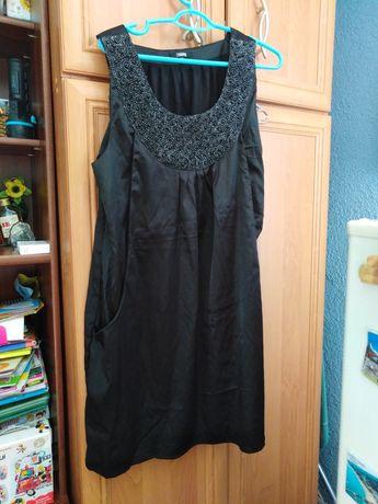 Czarna satynowa sukienka XXL
