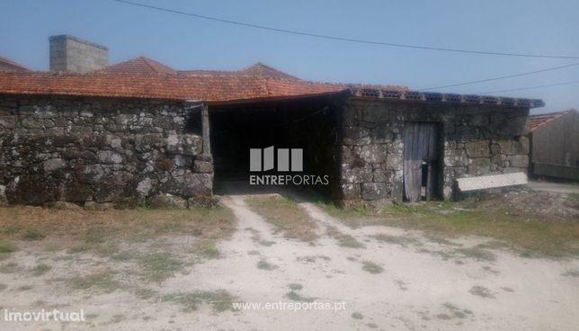 Venda Quintinha com Moradia V4 para Reconstruir, Santa Cruz do Douro,