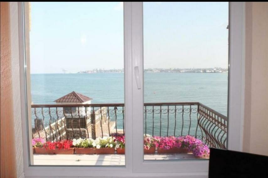 Сдам дом на самом берегу моря-1