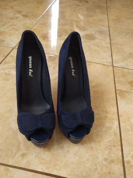 Туфельки продам в гарному стані