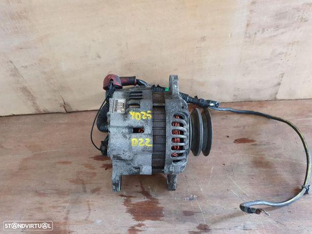 Alternador Nissan Navara D22 2.5 YD25 ano 2005