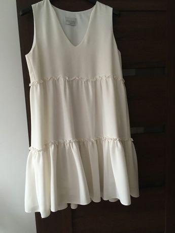 Sukienka kremowa, rozmiar S. Fason oversize.