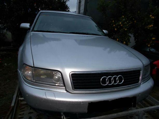 Vendo peças Audi a 8