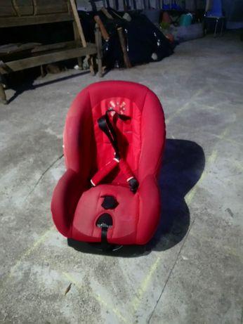 Cadeira de bébé e criança para o carro