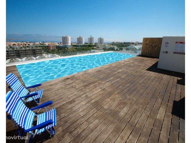 T2 em Albufeira com terraço e piscina - chave na mão