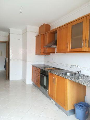 Apartamento T3 + 1 Duplex com garagem para arrendamento