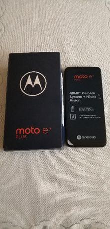 Telefon komórkowy Motorola E7
